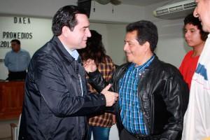 EL PROCURADOR DR. FERNANDO VALENZUELA PERNAS, EN COMPAÑÍA DEL PRESIDENTE DEL ILUSTRE COLEGIO DE ABOGADOS DE TABASCO, MTRO. JOSÉ LUIS MORALES RIVERA