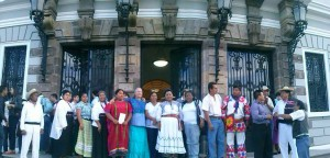Rigoberta Menchu otorga conferencia en Guadalajara respaldada por CONAPE y CONCAAM (2)