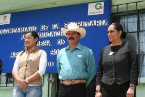 """ENTREGAN-APOYOS-A-ESCUELAS-DEL-BARRIO-""""LA-SOLEDAD""""-2"""