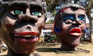 Las-máscaras-se-apoderaron-de-cantón-costarricense-1