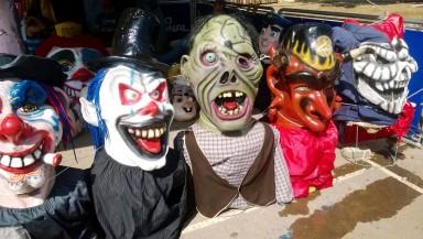 Las-máscaras-se-apoderaron-de-cantón-costarricense-3