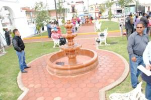 Estrena-Plaza-Cívica-Santiaguito-Tlalcilalcali-1