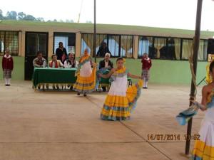 DOTAN-DE-MOBILIARIO-Y-EQUIPO-A-ESCUELA-DE-ALMOLOYA-DE-JUÁREZ-2