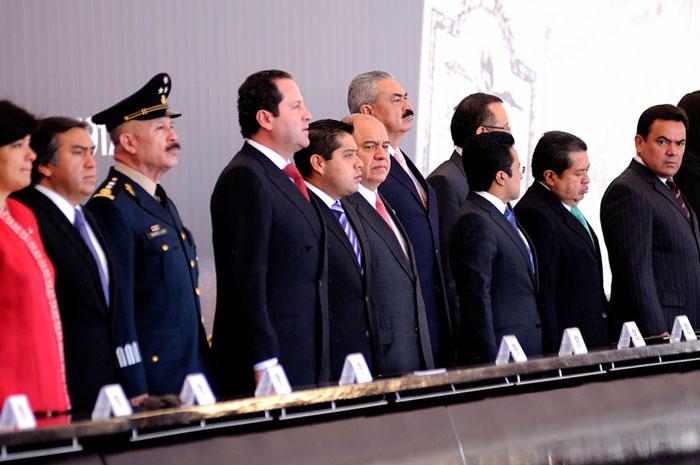 ASISTEN DIPUTADOS A DESPEDIDA DE EXPOSICIÓN